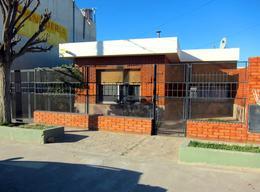Foto thumbnail Casa en Venta en  Trelew ,  Chubut  Buenos Aires al 700