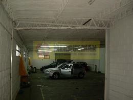 Foto thumbnail Nave Industrial en Venta en  Mariano Fragueiro,  Cordoba  AV.JUSTO JUAN B. al 4900