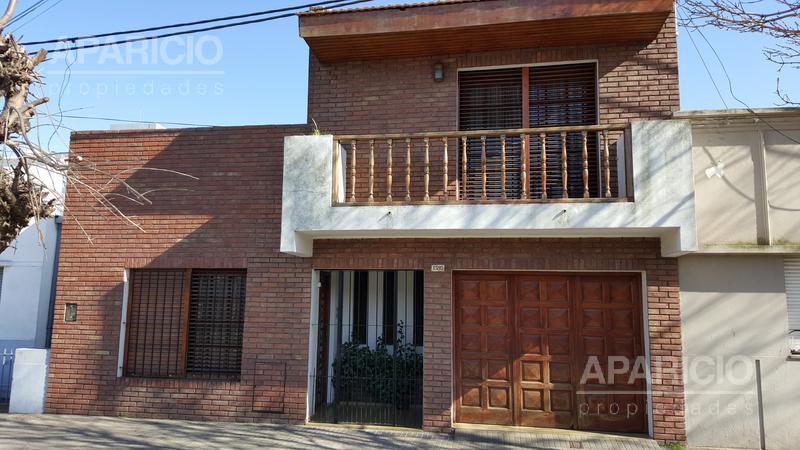Foto Casa en Venta |  en  La Plata ,  G.B.A. Zona Sur  67 entre 26 y 27