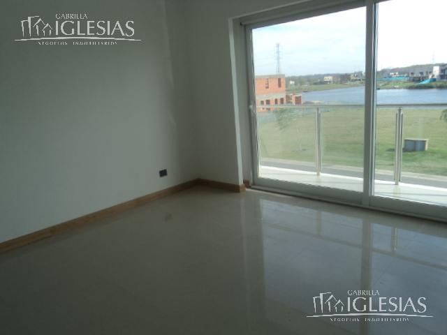 Casa en Venta en San Benito a Venta - u$s 800.000