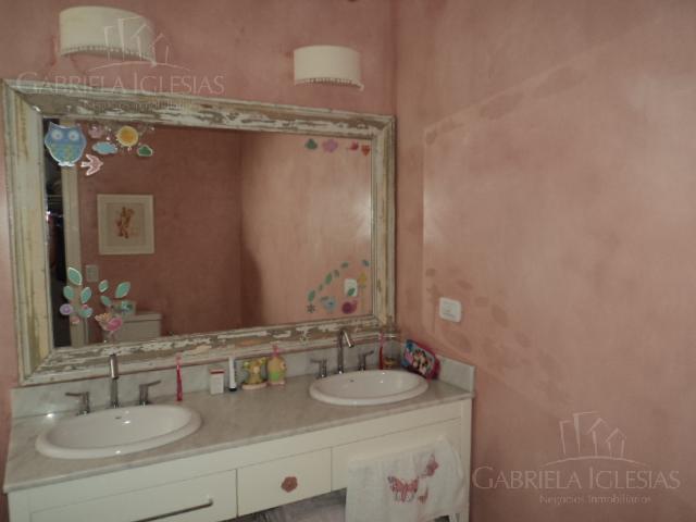 Casa en Venta en Los Castores a Venta - u$s 850.000