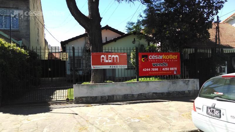 Foto Casa en Venta en  Temperley Este,  Temperley  Rivadavia 355