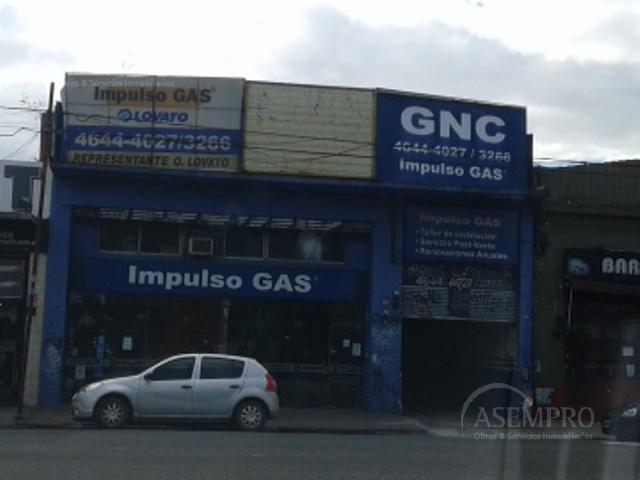Foto Local en Alquiler en  Liniers ,  Capital Federal  RIVADAVIA al 10800