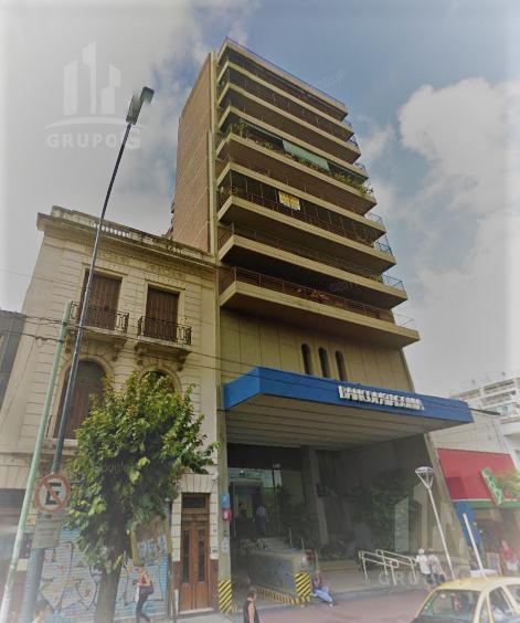 Foto Departamento en Venta en  Flores ,  Capital Federal  Av. Rivadavia al 6700