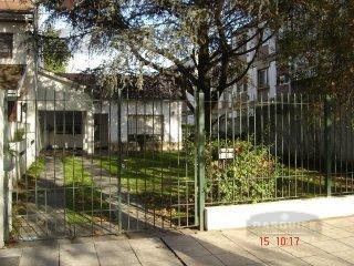 Foto Casa en Venta en  Adrogue,  Almirante Brown  LA ROSA 836