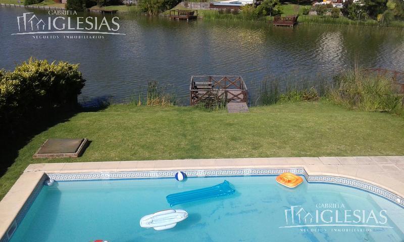 Casa en Alquiler Venta en Barrancas del Lago a Alquiler - $ 45.000 Venta - u$s 570.000