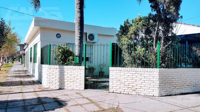 Foto Casa en Venta en  Ituzaingó ,  G.B.A. Zona Oeste  Deheza al 2200