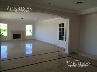 Casa en Venta en El Golf a Venta - u$s 1.690.000