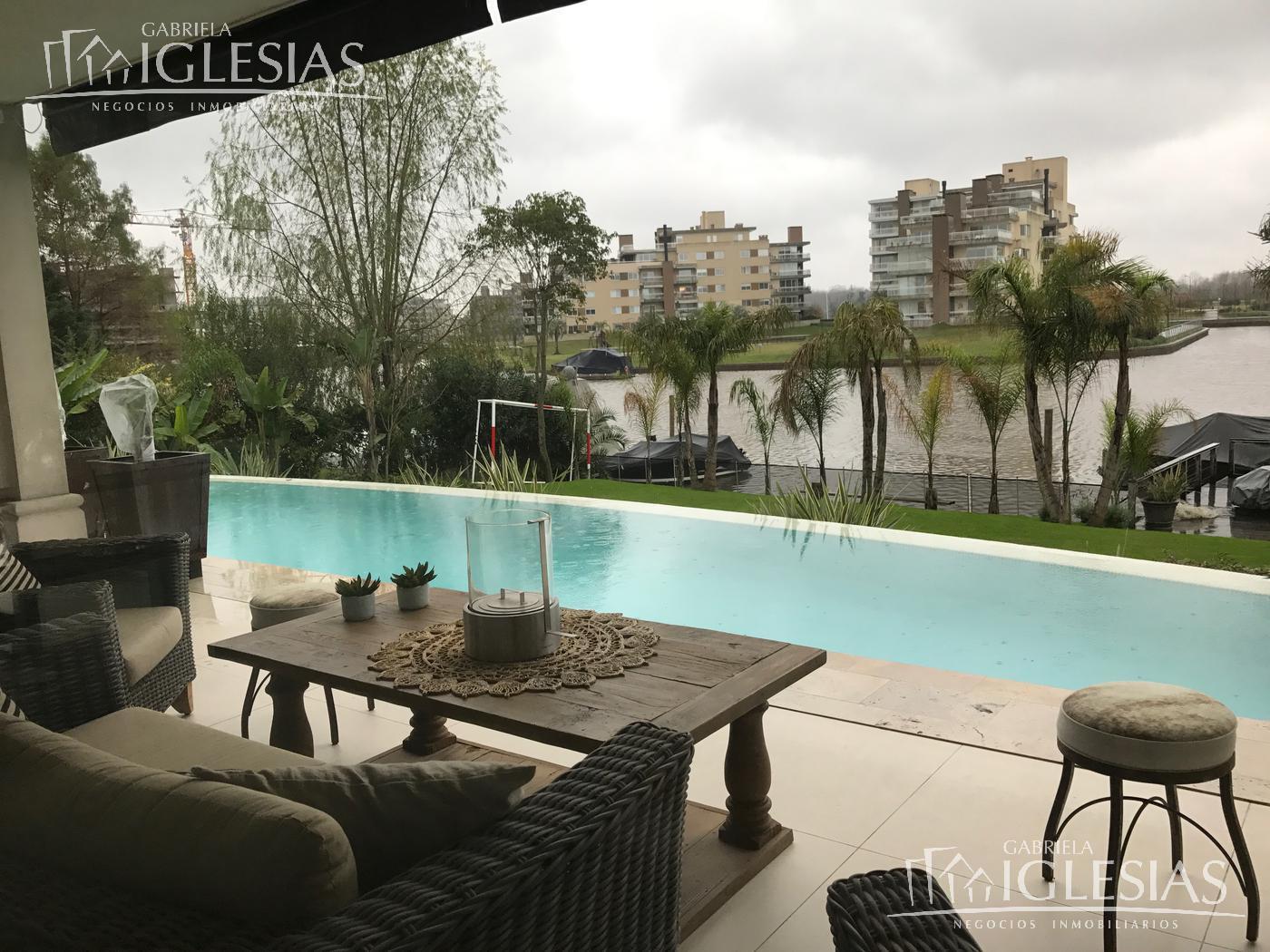 Casa en Venta Alquiler en Las Caletas a Venta - u$s 2.800.000 Alquiler - u$s 11.000