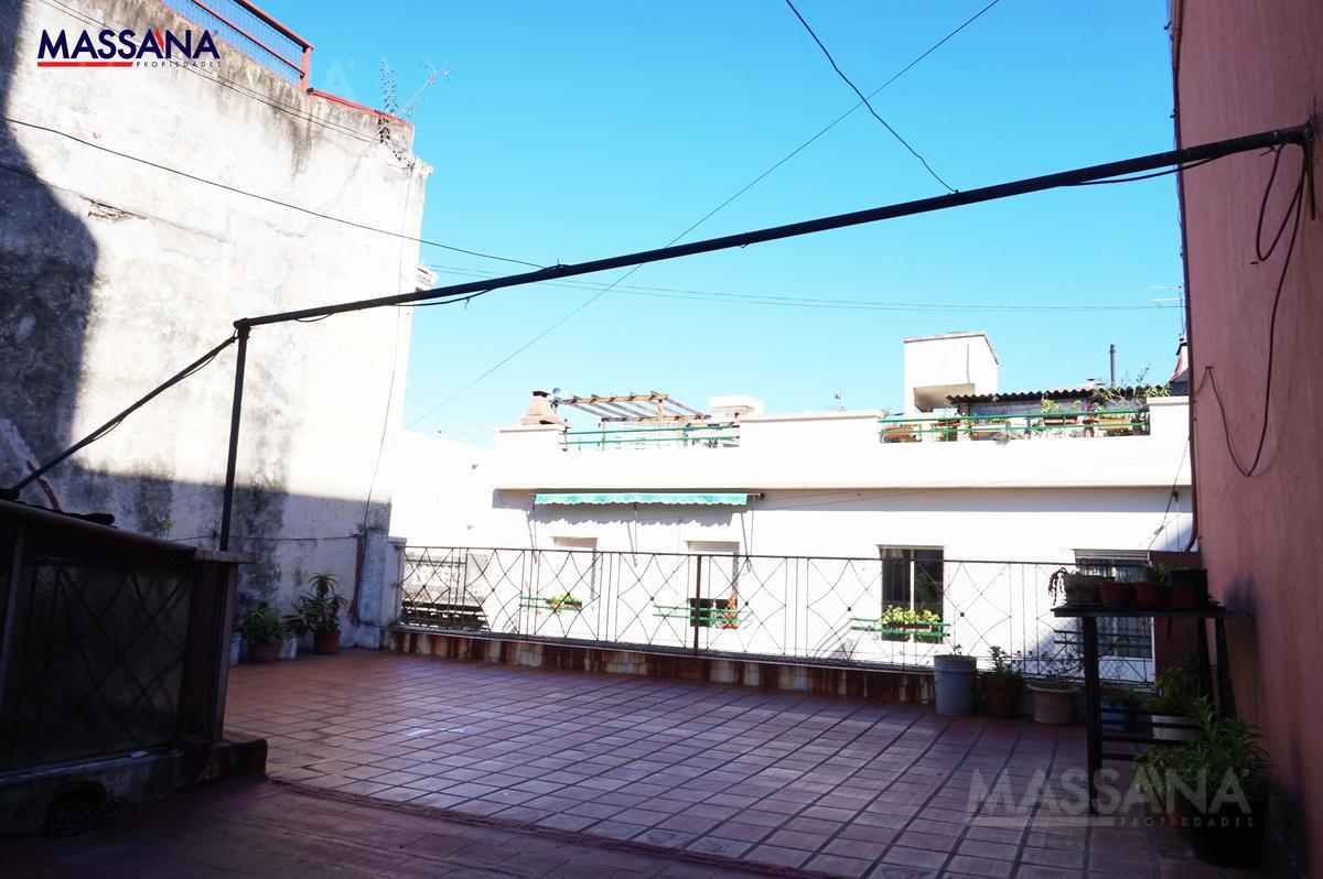 Foto Casa en Venta en  San Telmo ,  Capital Federal  HUMBERTO 1° al 800