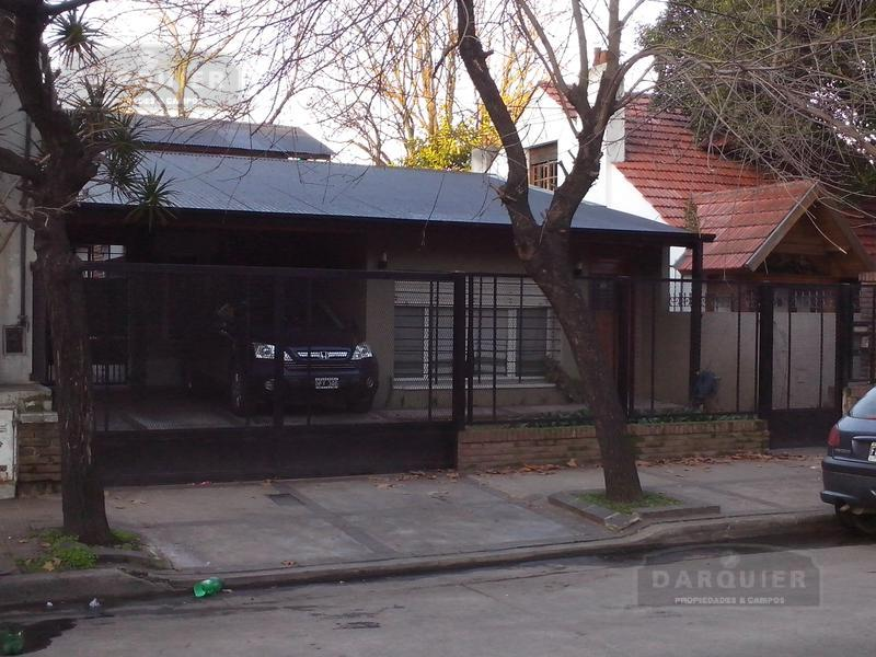 Foto Casa en Venta en  Adrogue,  Almirante Brown  SOMELLERA 729