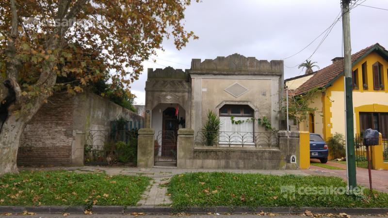 Foto Casa en Venta en  Temperley Este,  Temperley  Solis 840