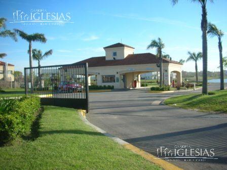 Terreno en Venta en Santa Catalina a Venta - u$s 320.000