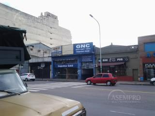 Foto Local en Alquiler en  Liniers ,  Capital Federal  RIVADAVIA al 10800