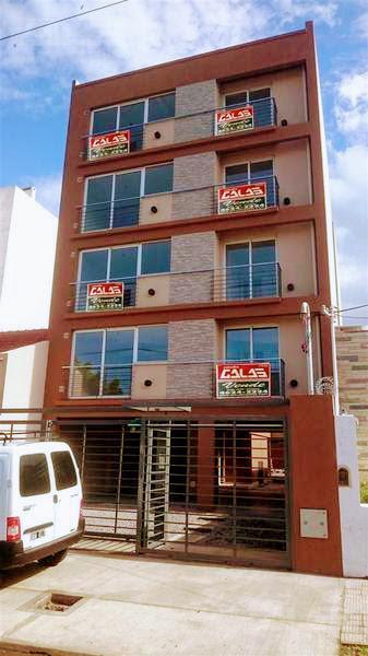 Foto Departamento en Venta en  Castelar,  Moron  Arredondo al 2200