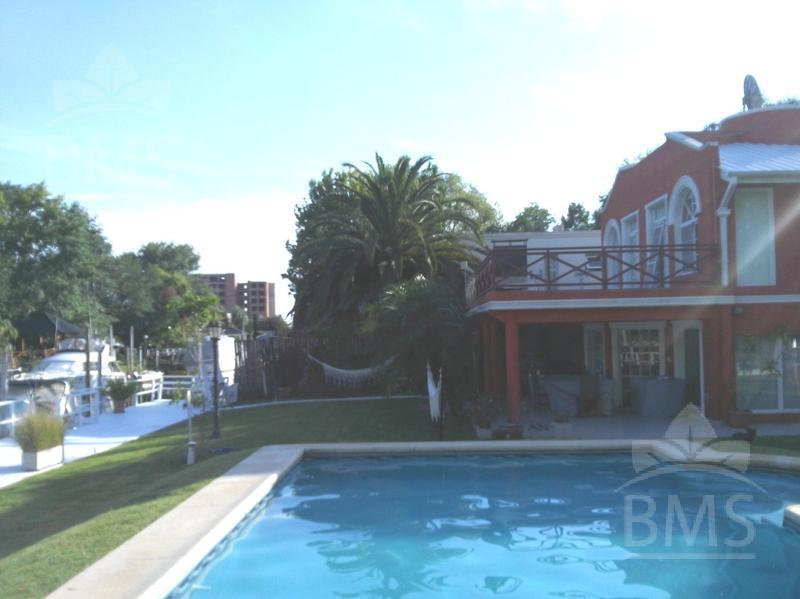 Foto Casa en Alquiler en  Boat Center,  Countries/B.Cerrado  Boat Center Country Club