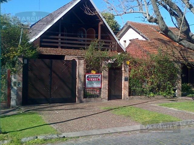 Foto Casa en Venta en  Temperley,  Lomas De Zamora  ESTEVEZ CORREA 68