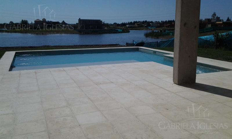 Casa en Venta en San Benito a Venta - u$s 499.000