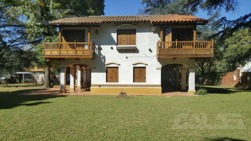 Foto Quinta en Venta en  San Miguel ,  G.B.A. Zona Norte  Martín García 300