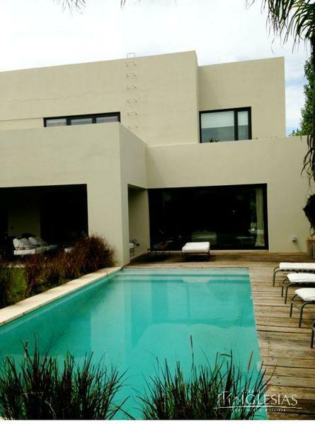Casa en Venta en Los Castores a Venta - u$s 760.000