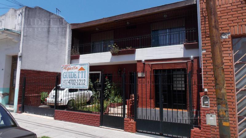 Foto Local en Alquiler |  en  Saavedra ,  Capital Federal  Pérez, Roque - Entre calles García del Río y Manzanares