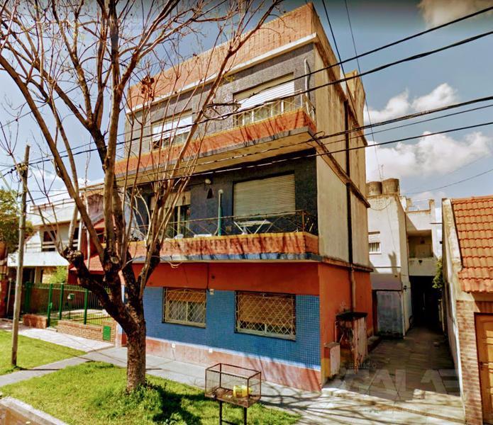 Foto Departamento en Venta en  Castelar,  Moron  Cardoso al 3200