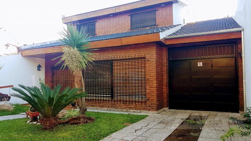 Foto Casa en Venta en  Ituzaingó ,  G.B.A. Zona Oeste  Besares al 500