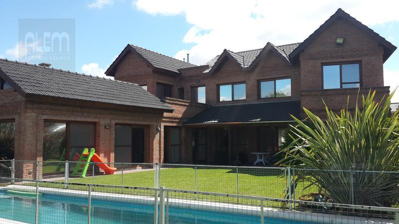 Foto Casa en Alquiler temporario en  El Ombu,  Countries/B.Cerrado  El Ombu | 6 Dorm.|Gran Quincho y Pileta!