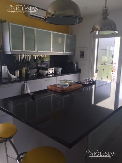 Casa en Venta en El Golf a Venta - u$s 1.250.000