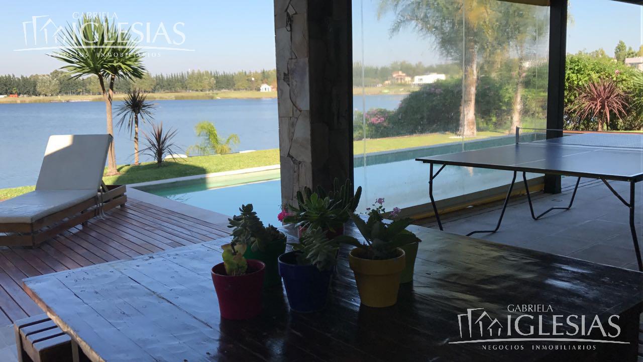 Casa en Venta  en Villanueva Santa Clara