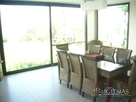 Casa en Venta Alquiler Alquiler temporario en Los Castores a Venta - u$s 2.350.000 Alquiler - u$s 8.000 Alquiler temporario - u$s 60.000