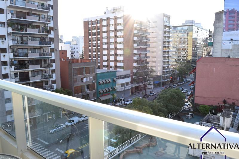 DEL LIBERTADOR, AVDA. entre Sucre, Antonio Jose De, Mcal. y