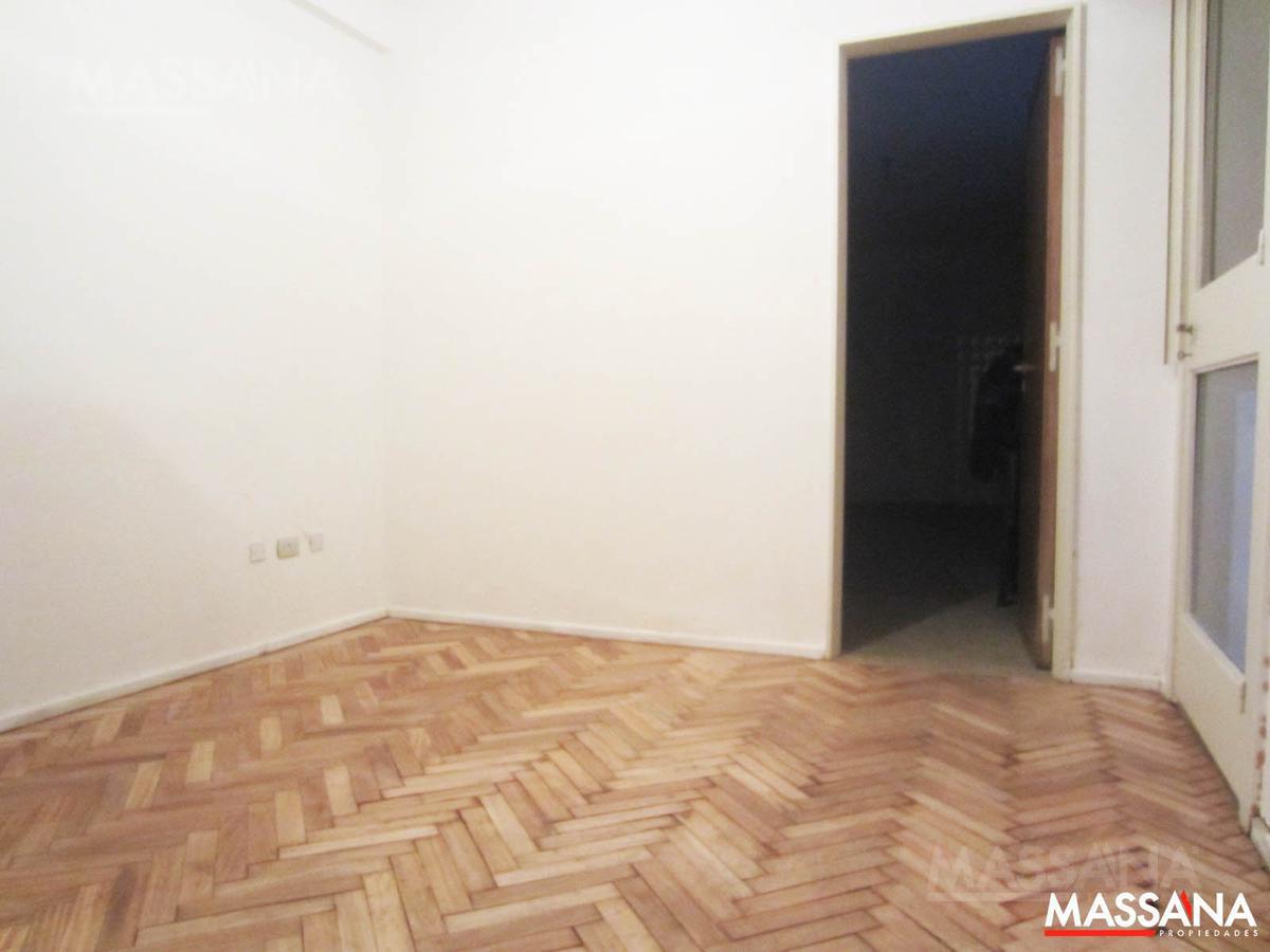 Foto Departamento en Venta en  Caballito ,  Capital Federal  AMBROSETTI  al 50