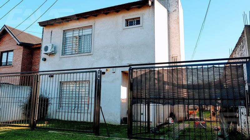 Foto Casa en Venta en  Ituzaingó ,  G.B.A. Zona Oeste  Darwin al 1800