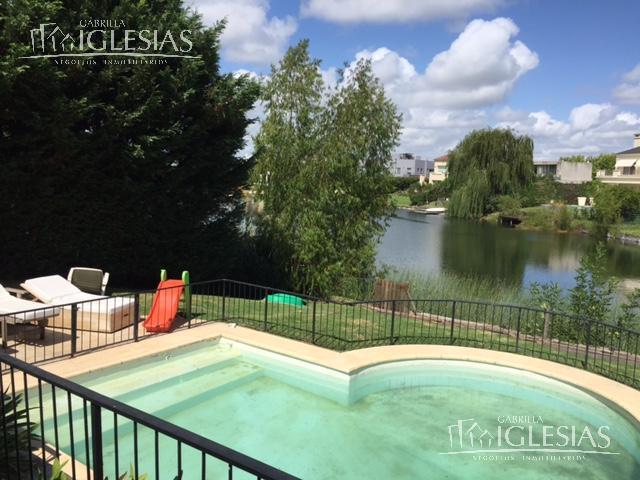 Casa en Venta en Los Castores a Venta - u$s 864.500