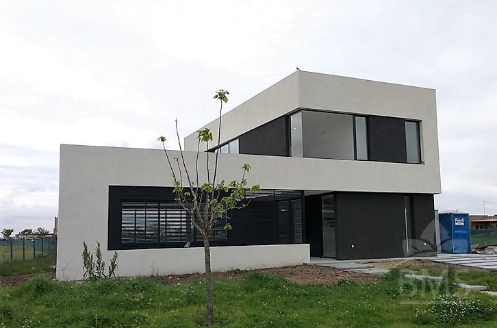 Foto Casa en Venta en  El Canton - Norte,  Countries/B.Cerrado  El Canton Norte
