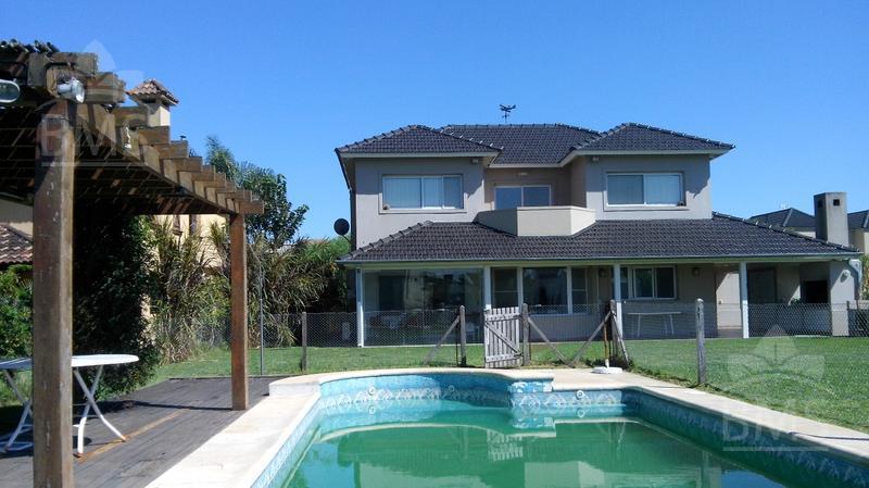 Foto Casa en Venta |  en  Santa Catalina,  Villanueva  Santa Catalina