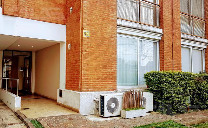 Foto Departamento en Venta en  Castelar,  Moron  Aristobulo del Valle al 300