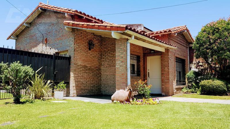 Foto Casa en Venta en  Ituzaingó ,  G.B.A. Zona Oeste  Lavalle  al 1400