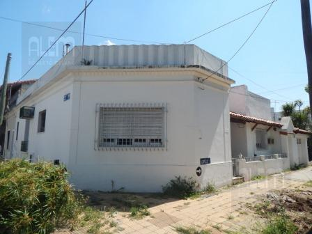 Foto Casa en Alquiler en  Banfield Oeste,  Banfield  CAPELLO MARTIN 760