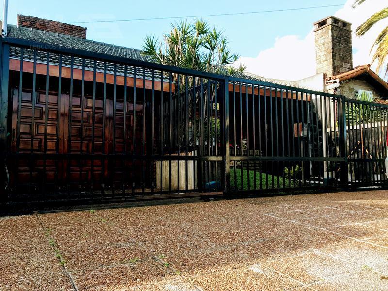 Foto Casa en Venta en  Castelar,  Moron  2º Rivadavia al 19500