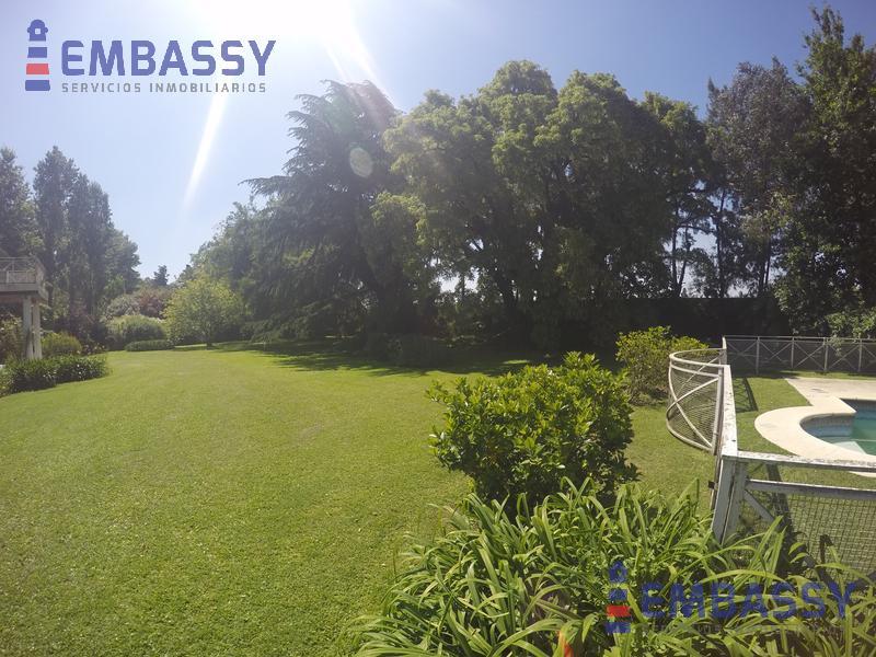 Foto Casa en Alquiler en  Ituzaingó ,  G.B.A. Zona Oeste  Acceso Oeste y Camino del Buen Ayre