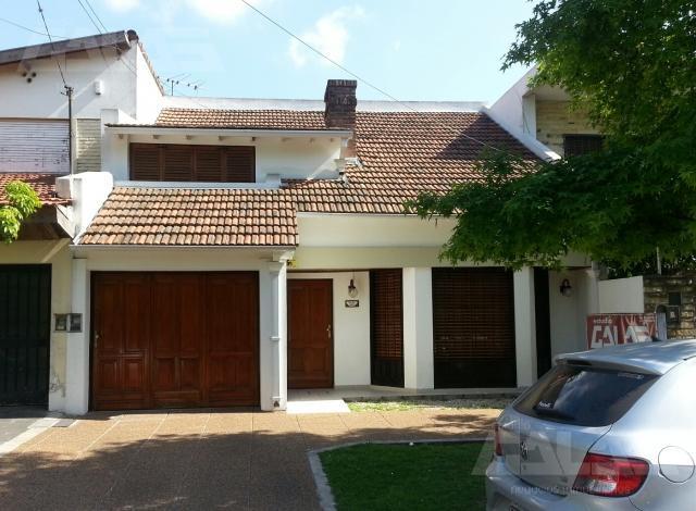 Foto Casa en Venta en  Ituzaingó,  Ituzaingó  Olazabal entre Olavarria  y Besares