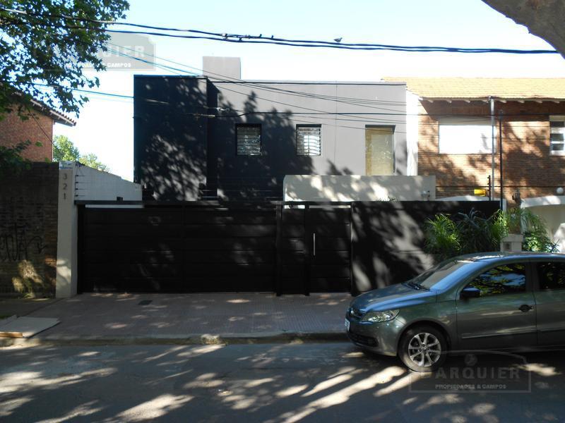 Foto Casa en Venta en  Adrogue,  Almirante Brown  ROCA 321