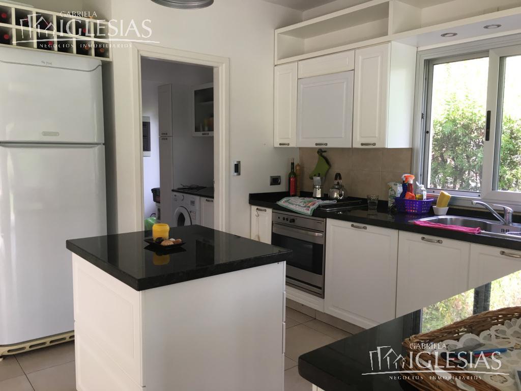 Casa en Venta en Las Caletas a Venta - u$s 670.000